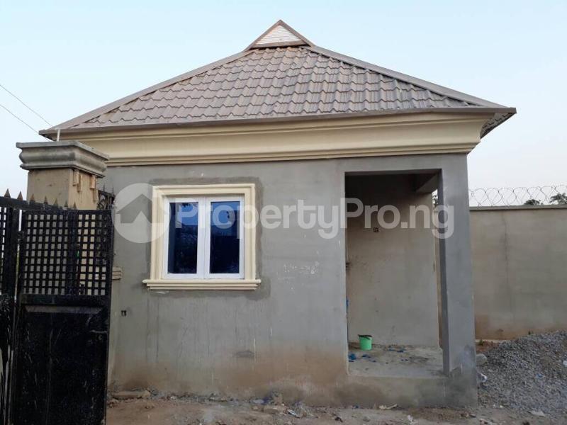 5 bedroom House for sale  alabameta area very close to main tiled road behinde katados filling-stations off osogbo Ikirun road, Olorunda L. G Osogbo osun state.  Olorunda Osun - 0