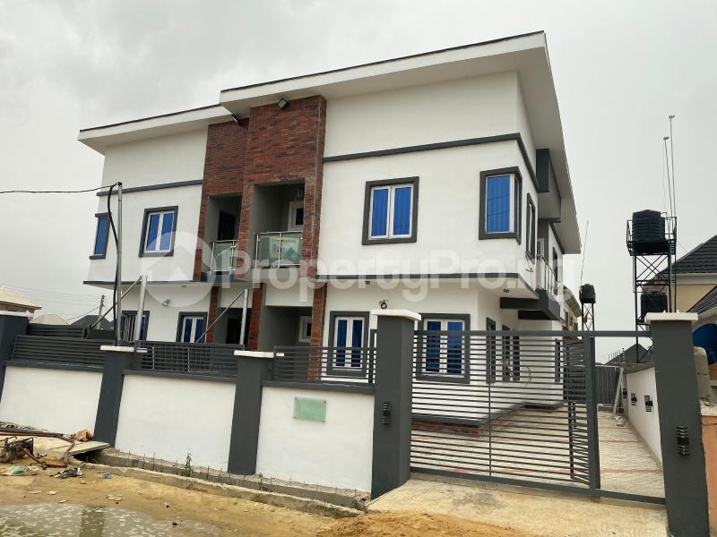 4 bedroom Semi Detached Duplex House for sale Thomas estate Ajah Lagos - 0