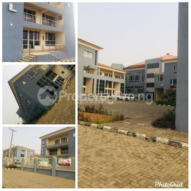 8 bedroom Shop in a Mall for rent Leme Road By Nnpc Kuto Abeokuta Ogun - 4