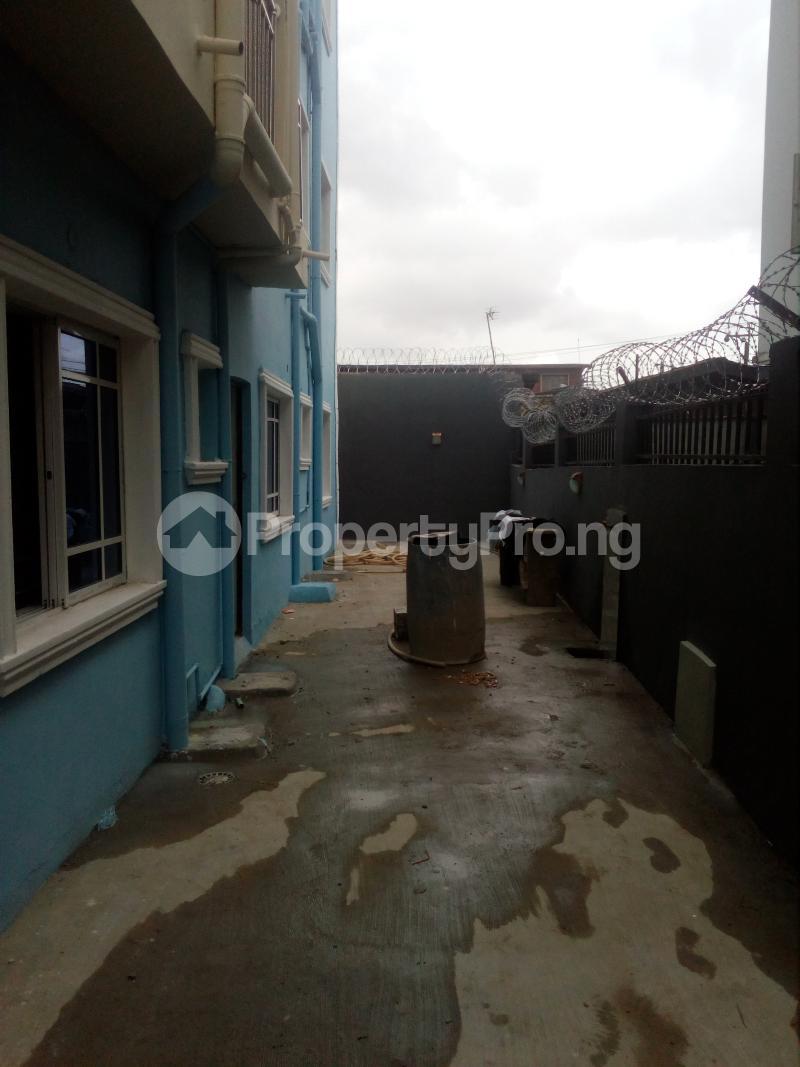 1 bedroom mini flat  Mini flat Flat / Apartment for rent Off lawanson  Lawanson Surulere Lagos - 6