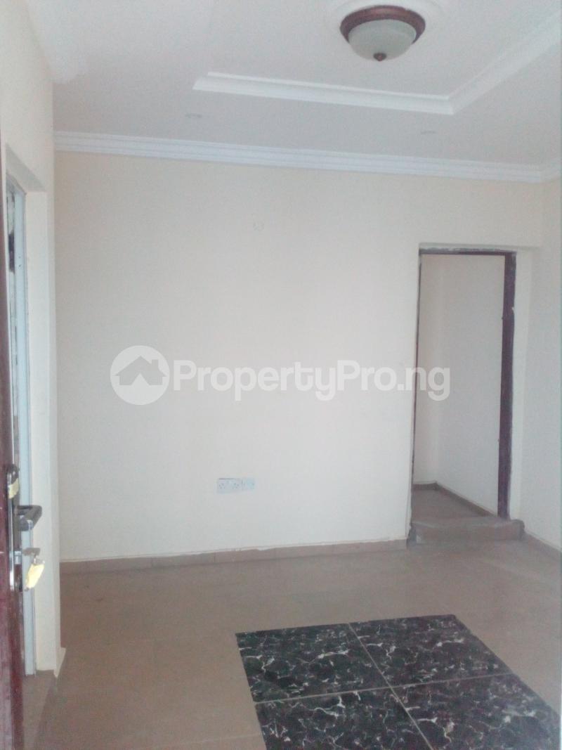 1 bedroom mini flat  Mini flat Flat / Apartment for rent Off lawanson  Lawanson Surulere Lagos - 2