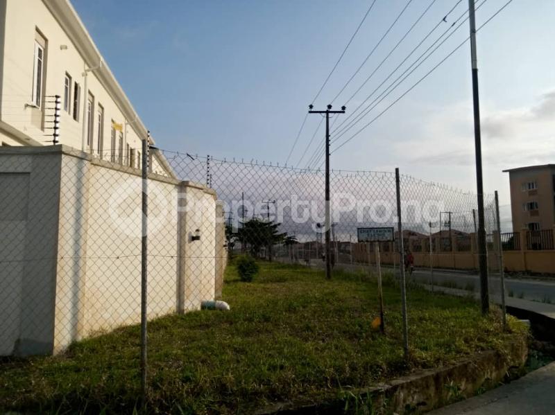 4 bedroom Terraced Duplex House for sale Mobil estate road,lekki scheme 2. Lekki Phase 2 Lekki Lagos - 3