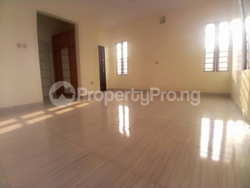 4 bedroom Terraced Duplex House for sale Mobil estate road,lekki scheme 2. Lekki Phase 2 Lekki Lagos - 16