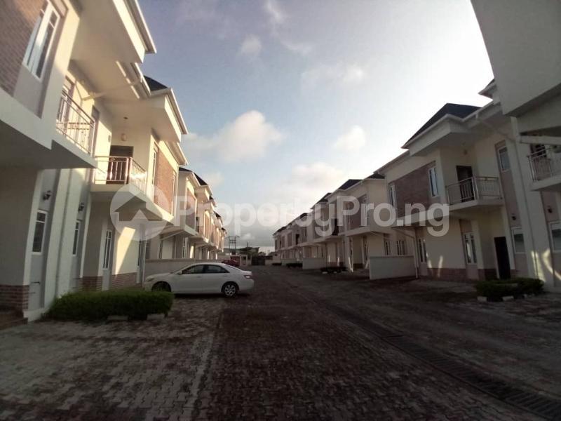 4 bedroom Terraced Duplex House for sale Mobil estate road,lekki scheme 2. Lekki Phase 2 Lekki Lagos - 0