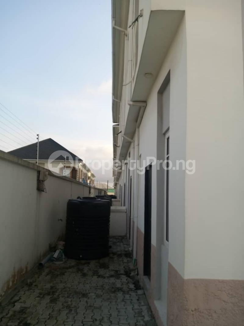 4 bedroom Terraced Duplex House for sale Mobil estate road,lekki scheme 2. Lekki Phase 2 Lekki Lagos - 8