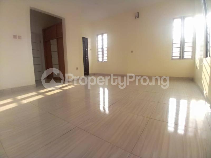 4 bedroom Terraced Duplex House for sale Mobil estate road,lekki scheme 2. Lekki Phase 2 Lekki Lagos - 14