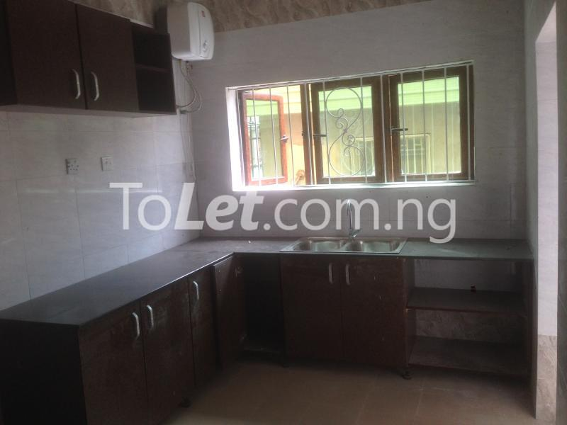 3 bedroom Flat / Apartment for rent Modupe  Fola Agoro Yaba Lagos - 7