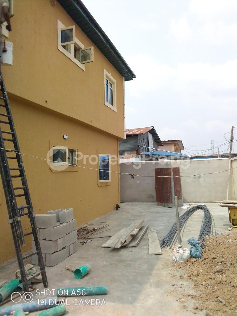2 bedroom Blocks of Flats House for rent Akowonjo Akowonjo Alimosho Lagos - 18