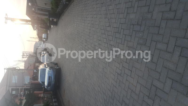 3 bedroom Flat / Apartment for rent Adams Obalateef Estate Cement Ikeja  Mangoro Ikeja Lagos - 1