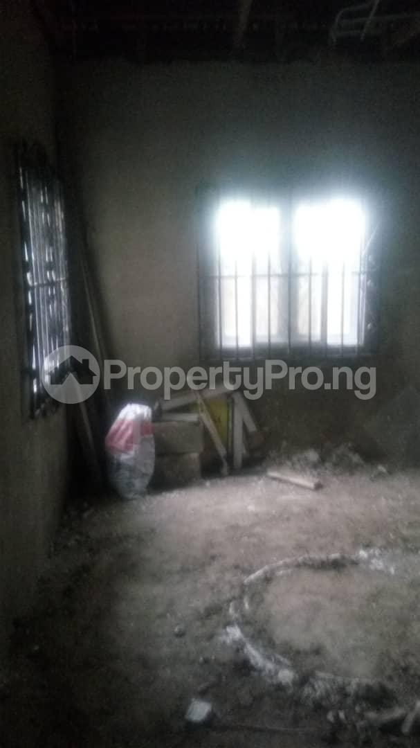 4 bedroom Mini flat Flat / Apartment for sale 4 timehin street  Osogbo Osun - 15