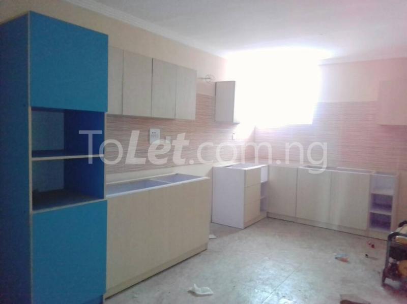 3 bedroom Flat / Apartment for sale moleye st Alagomeji Yaba Lagos - 4