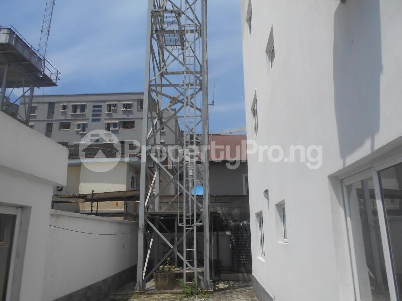 10 bedroom Flat / Apartment for rent Four point by sharaton road ONIRU Victoria Island Lagos - 3