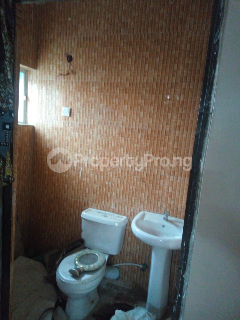 2 bedroom Semi Detached Bungalow House for rent Alimosho Lagos - 7