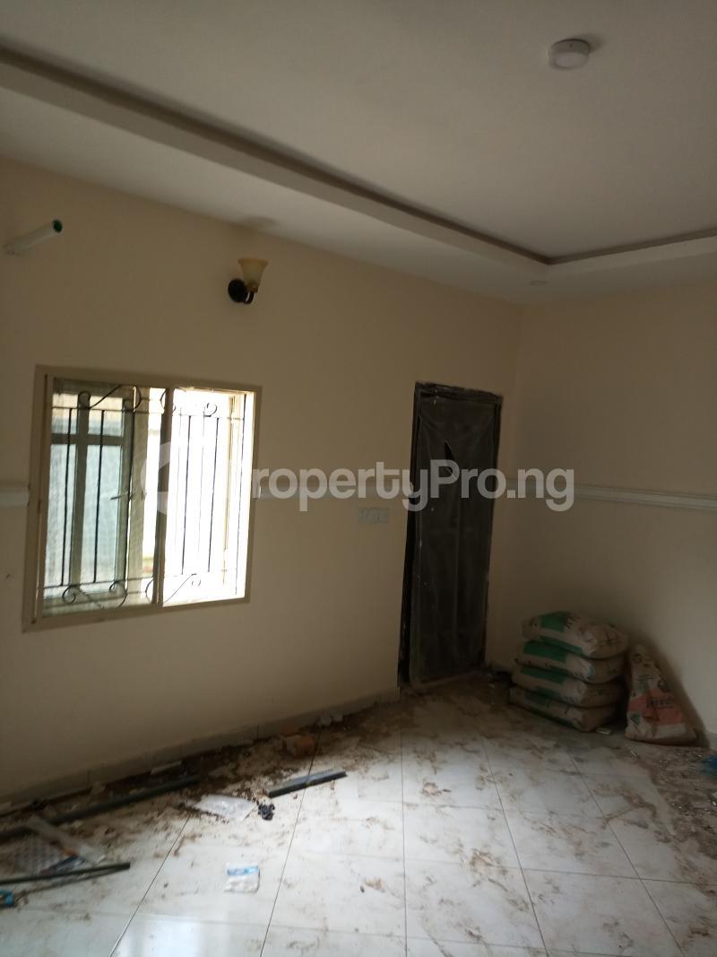 2 bedroom Flat / Apartment for rent lagoon view estate  Ogudu-Orike Ogudu Lagos - 8