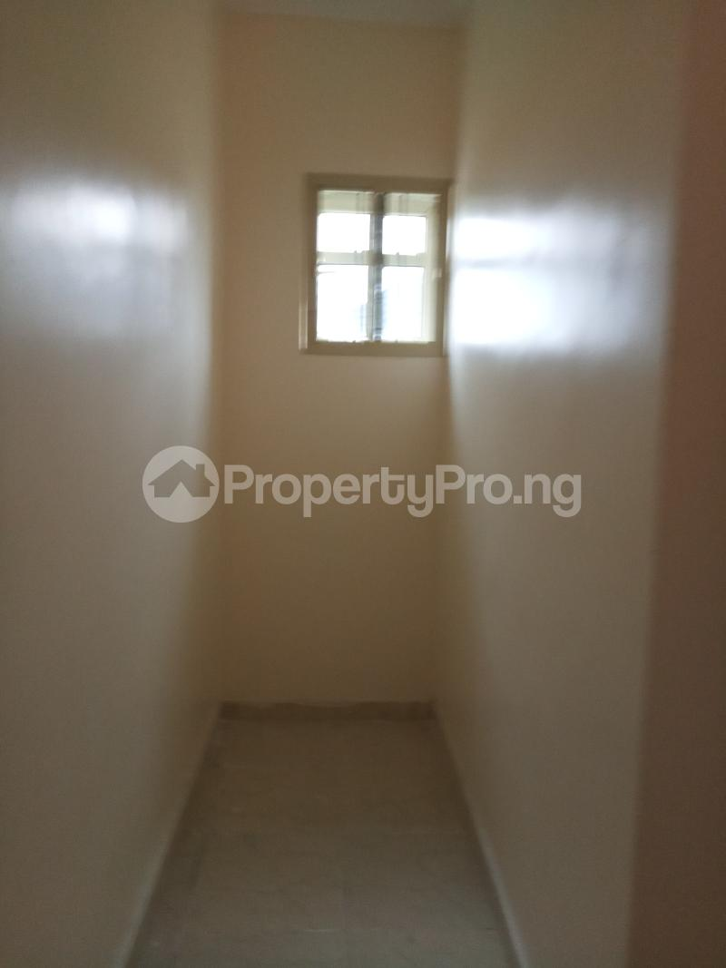 2 bedroom Flat / Apartment for rent lagoon view estate  Ogudu-Orike Ogudu Lagos - 7