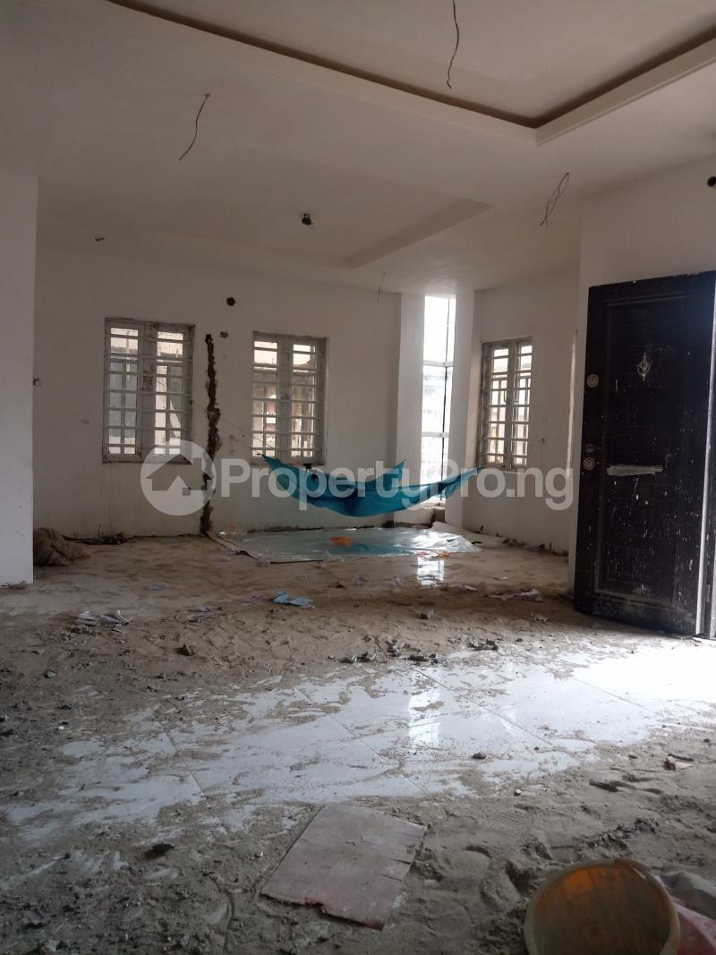 2 bedroom Flat / Apartment for rent Alagomeji Adekunle Yaba Lagos - 1