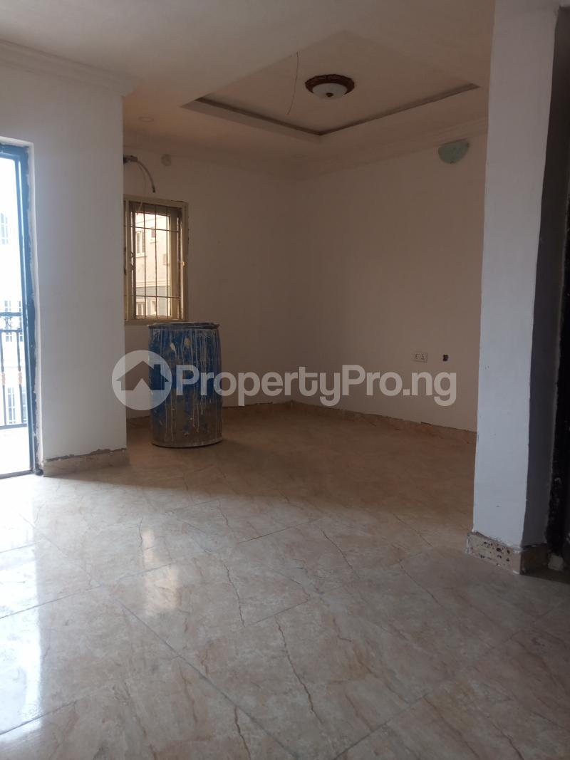 2 bedroom Flat / Apartment for rent Ebute Metta Adekunle Yaba Lagos - 4