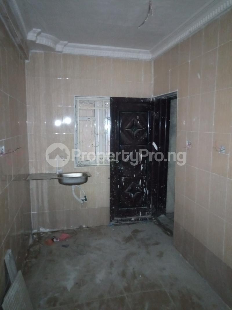 2 bedroom Flat / Apartment for rent Abule ijesha Fola Agoro Yaba Lagos - 6
