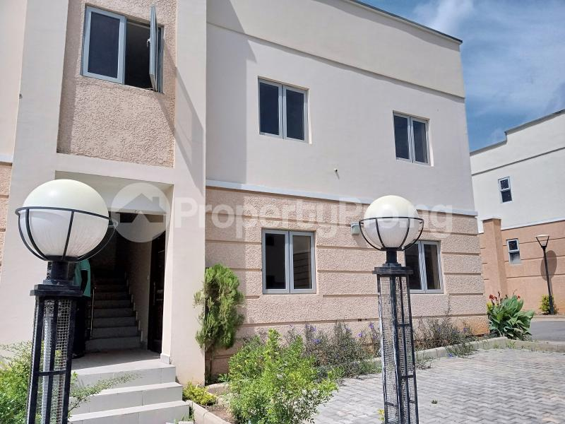 2 bedroom Flat / Apartment for rent Along paradise estate ...