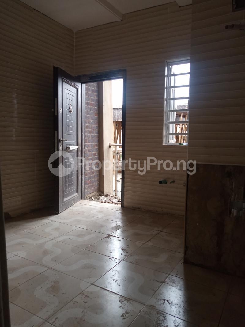 2 bedroom Flat / Apartment for rent Alagomeji Adekunle Yaba Lagos - 2