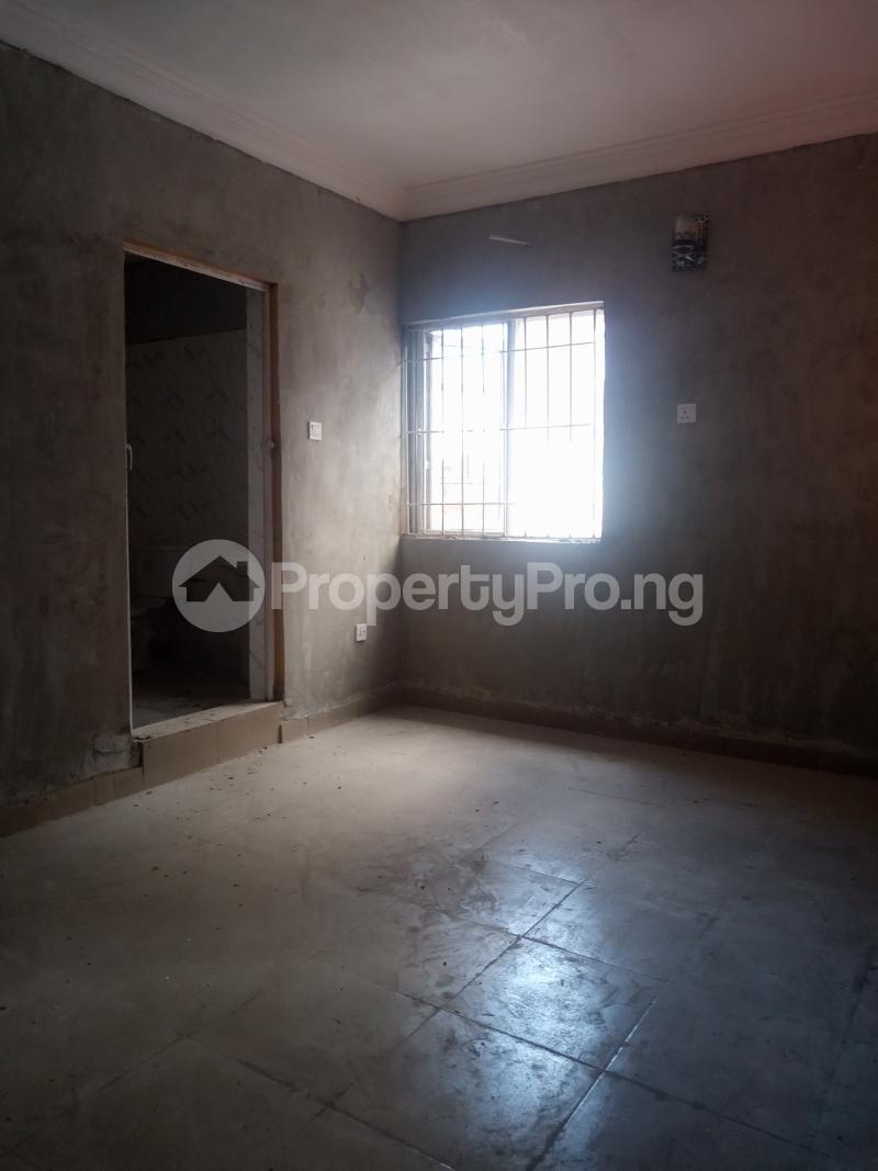 2 bedroom Flat / Apartment for rent Adekunle Adekunle Yaba Lagos - 3