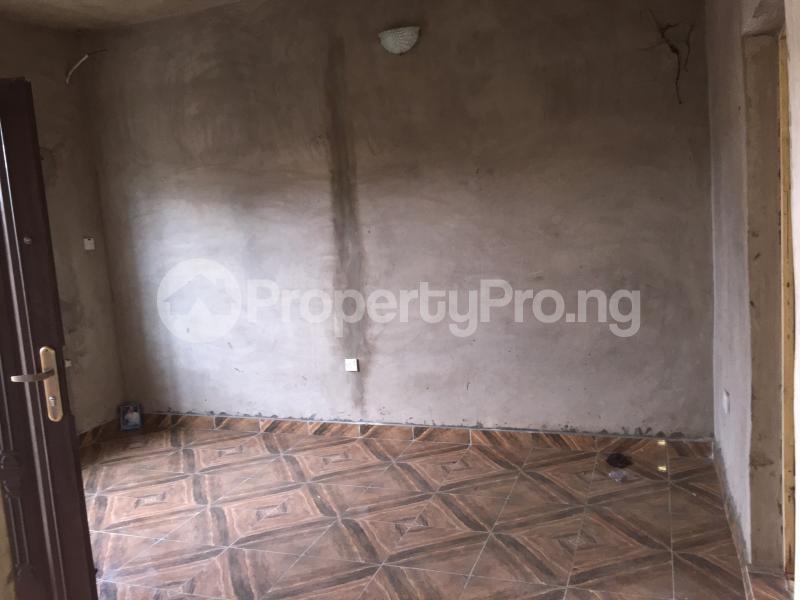 2 bedroom Flat / Apartment for rent Odenike  Abule-Ijesha Yaba Lagos - 4