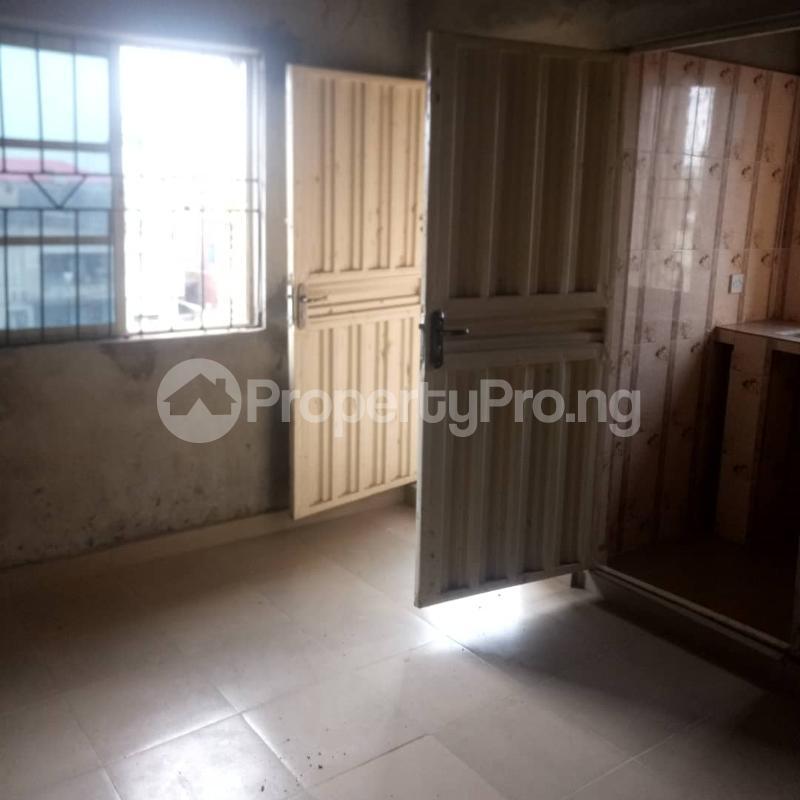 2 bedroom Flat / Apartment for rent Odenike  Abule-Ijesha Yaba Lagos - 1