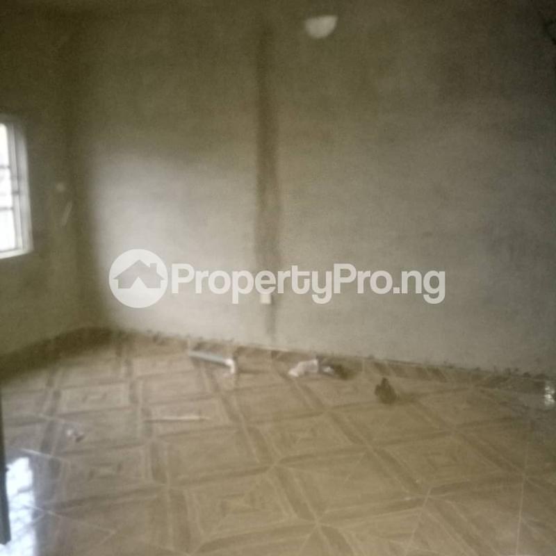 2 bedroom Flat / Apartment for rent Odenike  Abule-Ijesha Yaba Lagos - 3