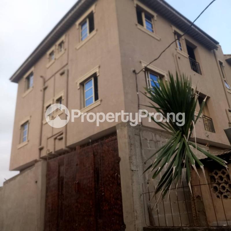 2 bedroom Flat / Apartment for rent Odenike  Abule-Ijesha Yaba Lagos - 0