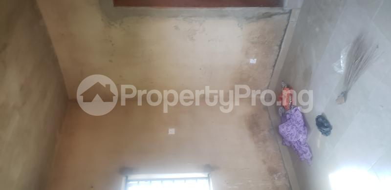 2 bedroom Blocks of Flats House for rent Olasepe estate madonna  Berger Ojodu Lagos - 4