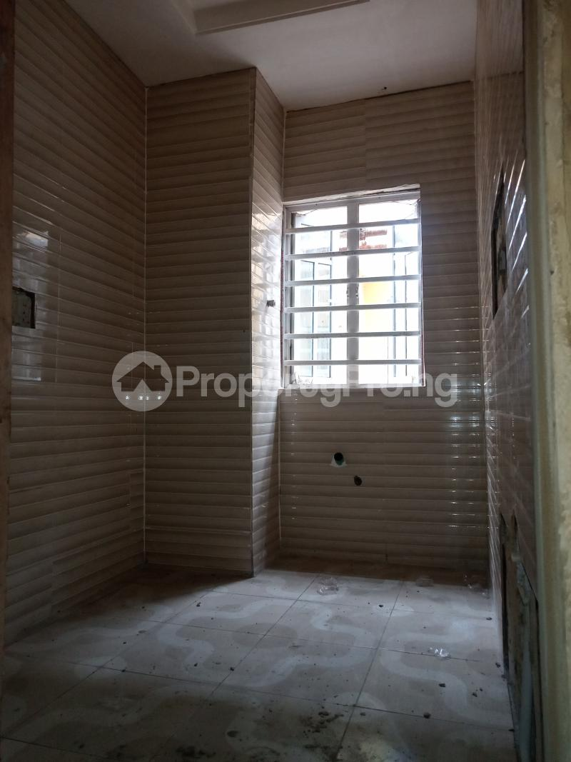 2 bedroom Flat / Apartment for rent Adekunle Alagomeji Yaba Lagos - 8