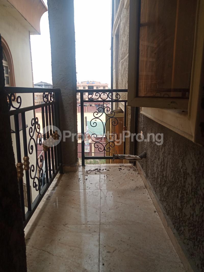 2 bedroom Flat / Apartment for rent Ebute Metta Adekunle Yaba Lagos - 2