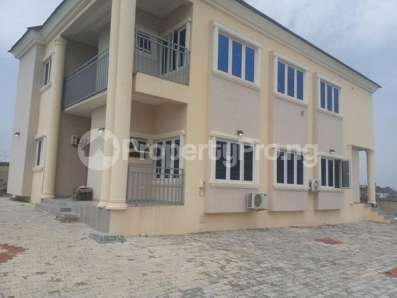 2 bedroom Flat / Apartment for rent Located along Trademore estate Lugbe Abuja - 4