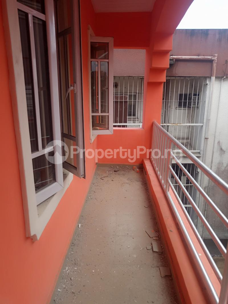 2 bedroom Flat / Apartment for rent Adekunle Adekunle Yaba Lagos - 7