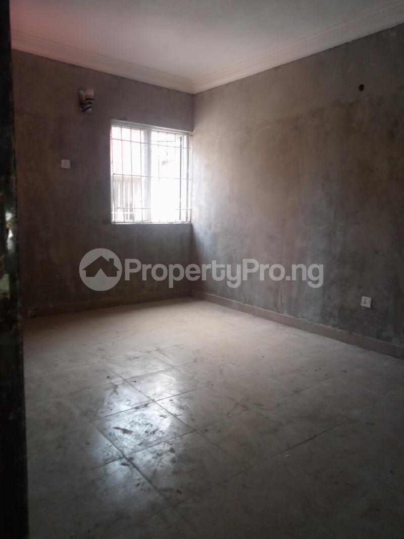 2 bedroom Flat / Apartment for rent Adekunle Adekunle Yaba Lagos - 5