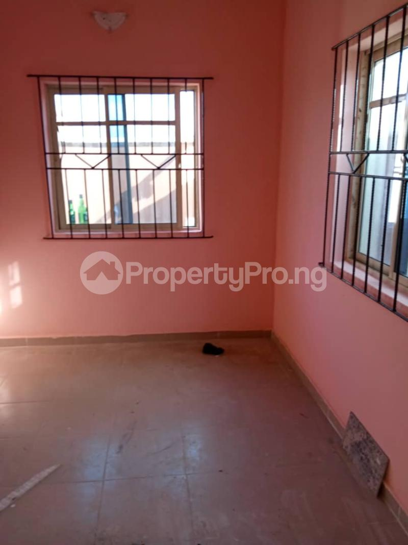2 bedroom Blocks of Flats House for rent . Bariga Shomolu Lagos - 6