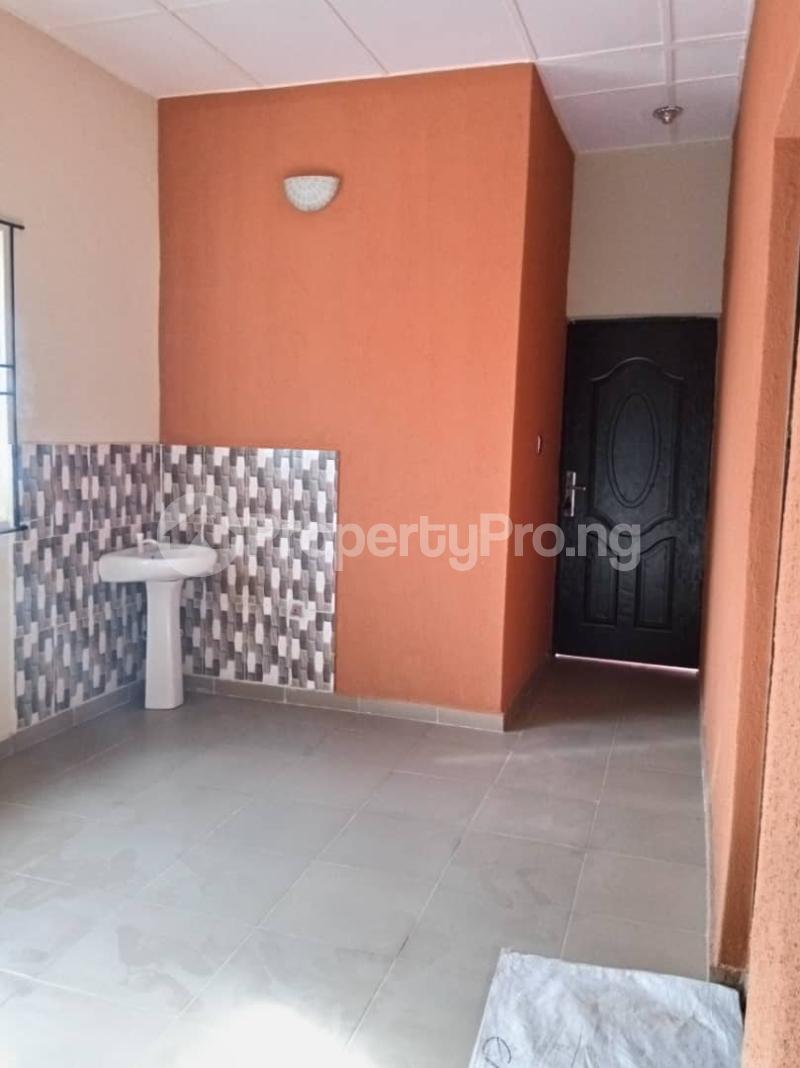 2 bedroom Blocks of Flats House for rent . Bariga Shomolu Lagos - 2