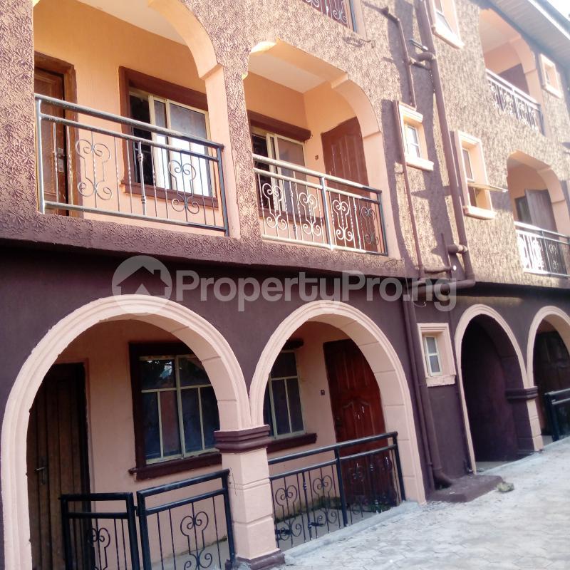 2 bedroom Flat / Apartment for rent I.k.j Bus Stop Bucknor. Bucknor Isolo Lagos - 2