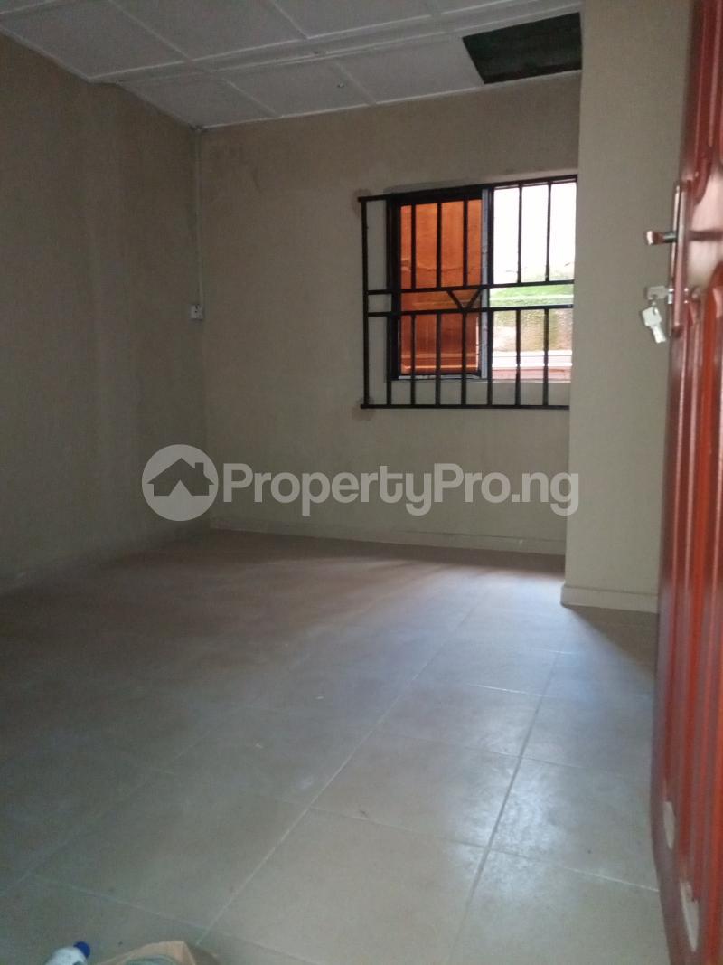 2 bedroom Flat / Apartment for rent Ebute Metta Adekunle Yaba Lagos - 8