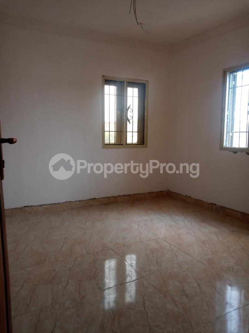2 bedroom Flat / Apartment for rent Ebute Metta Adekunle Yaba Lagos - 5