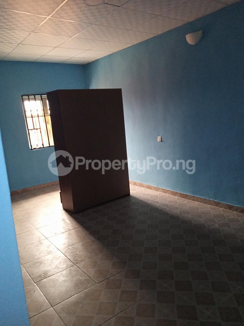 2 bedroom Terraced Bungalow House for rent No 20, Oluwakeyin Street Unity Ologuneru Ibadan north west Ibadan Oyo - 4