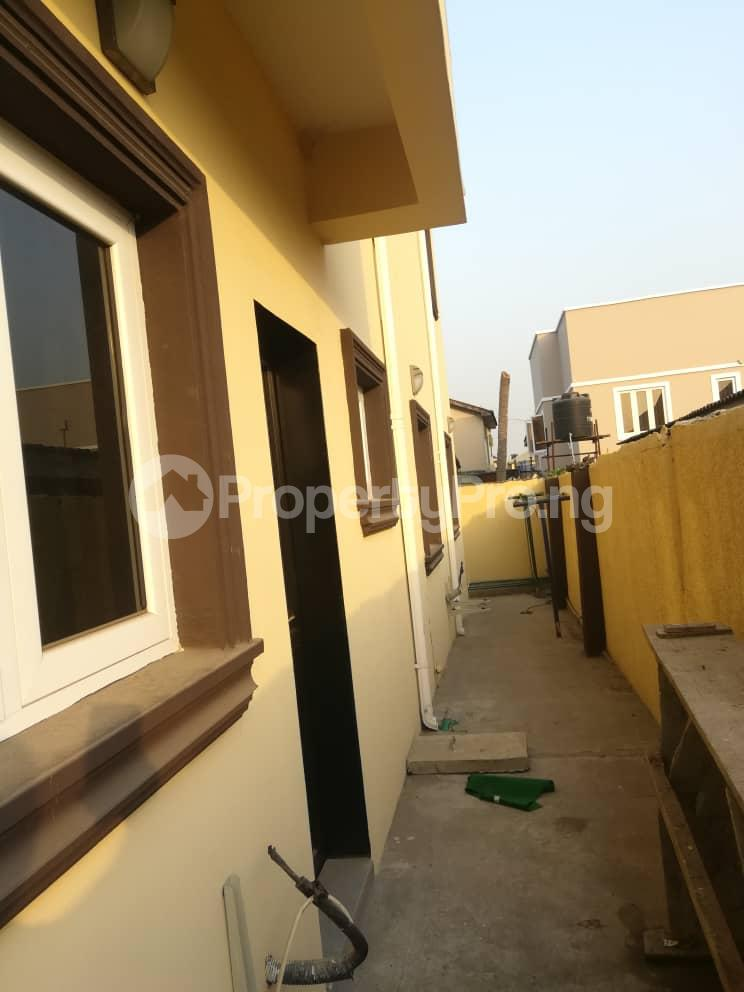 2 bedroom Flat / Apartment for rent Hy Ebute Metta Yaba Lagos - 1