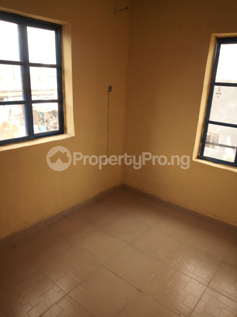 2 bedroom Flat / Apartment for rent Car wash bus stop, oworo Kosofe Kosofe/Ikosi Lagos - 7