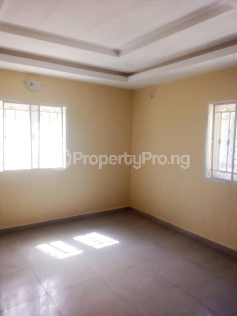 2 bedroom Blocks of Flats House for rent Olohunda Estate  Akobo Ibadan Oyo - 4