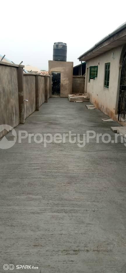 2 bedroom Blocks of Flats House for rent Oluwo Area after Iyana Agbala Ibadan. Alakia Ibadan Oyo - 2