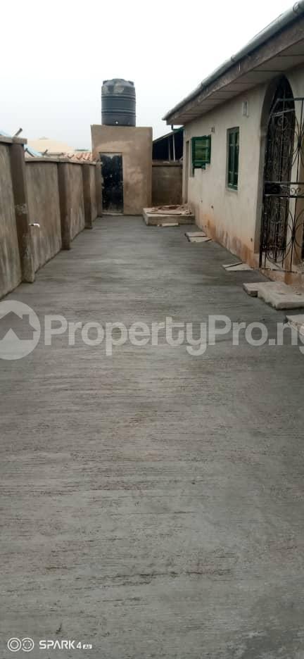 2 bedroom Blocks of Flats House for rent Oluwo Area after Iyana Agbala Ibadan. Alakia Ibadan Oyo - 0