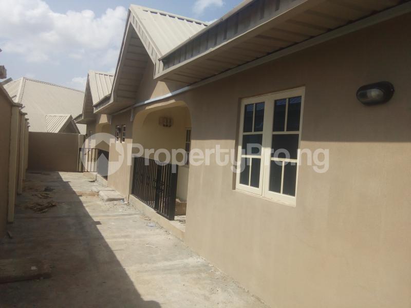 2 bedroom Shared Apartment Flat / Apartment for rent Commissioner road gbekuba, Ibadan. Idishin Ibadan Oyo - 2