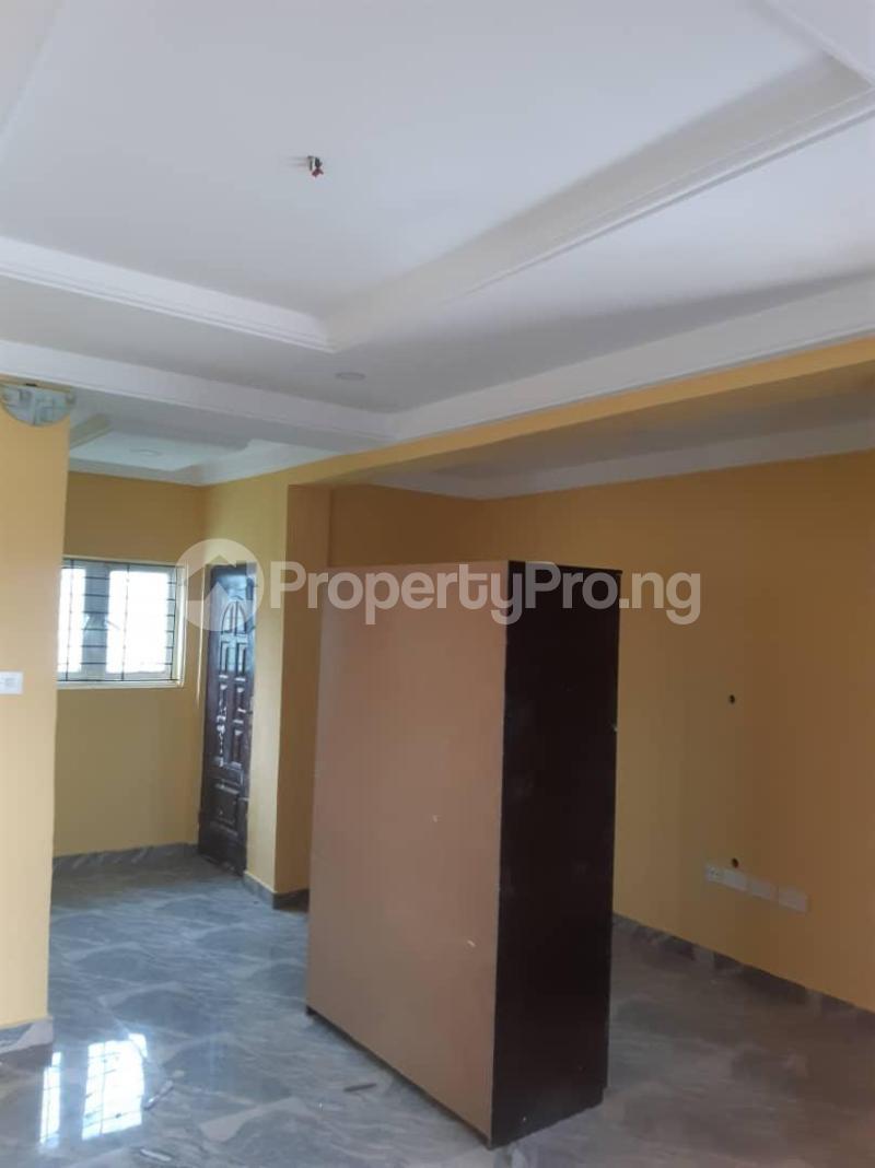 3 bedroom Blocks of Flats House for rent Pedro road Shomolu Lagos - 2