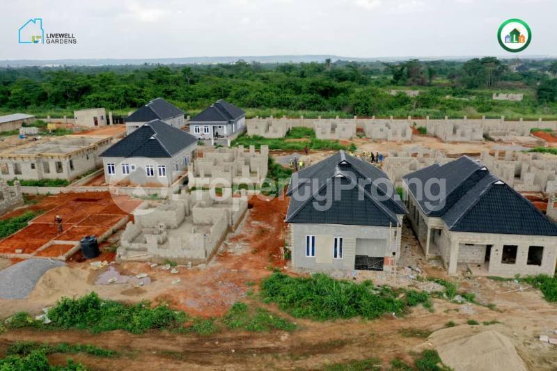 3 bedroom Detached Bungalow House for sale Mowe Mowe Obafemi Owode Ogun - 2