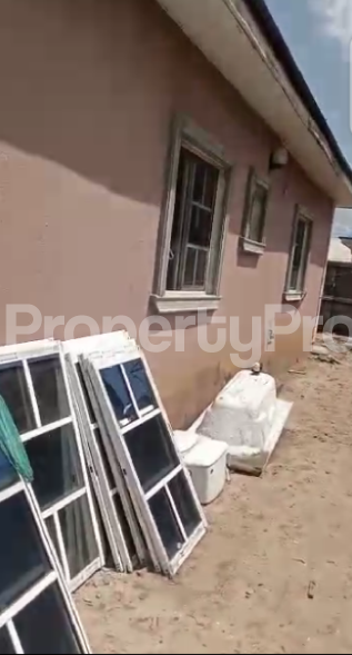 Detached Bungalow House for sale Inside Minfa Estate Human Race, Off Poly Junction, Owerri, Imo State. Owerri Imo - 7